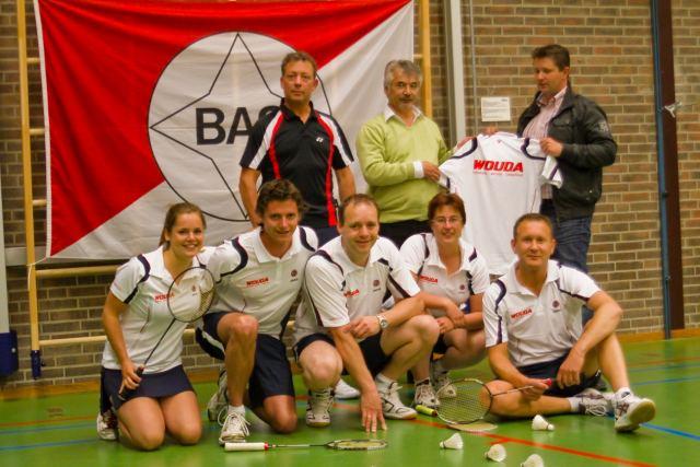 BAS Badminton slaat concurrentie van zich af