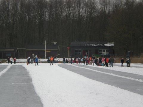 Jeugdwedstrijd op ijsbaan succesvol